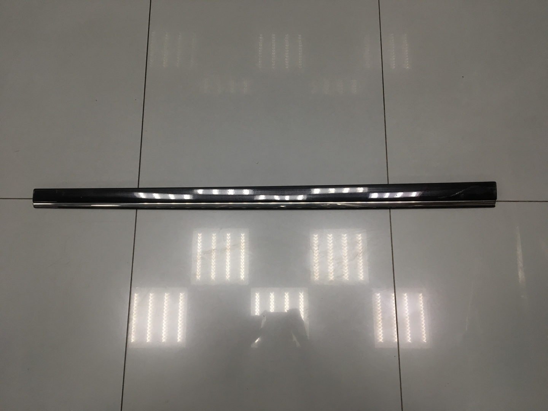 Молдинг двери Mercedes E Class W211 OM 642.920 2006 передний правый (б/у)