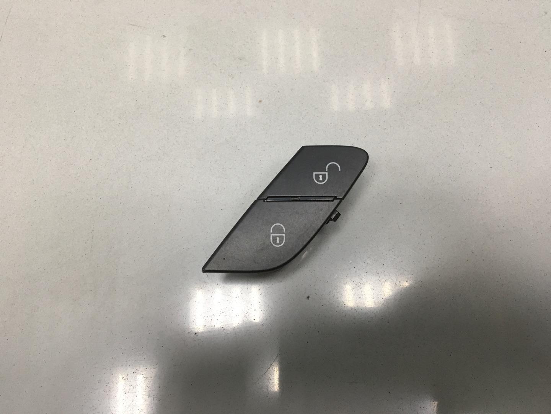 Кнопка центрального замка Mercedes Ml Class W164 642.820 OM642 2010 левая (б/у)