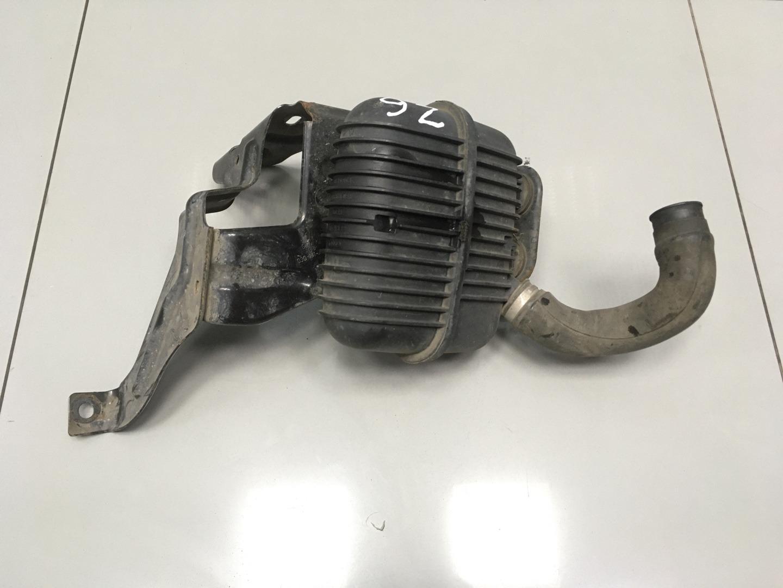 Резонатор воздушного фильтра Audi A6 C6 BPJ 2006 (б/у)