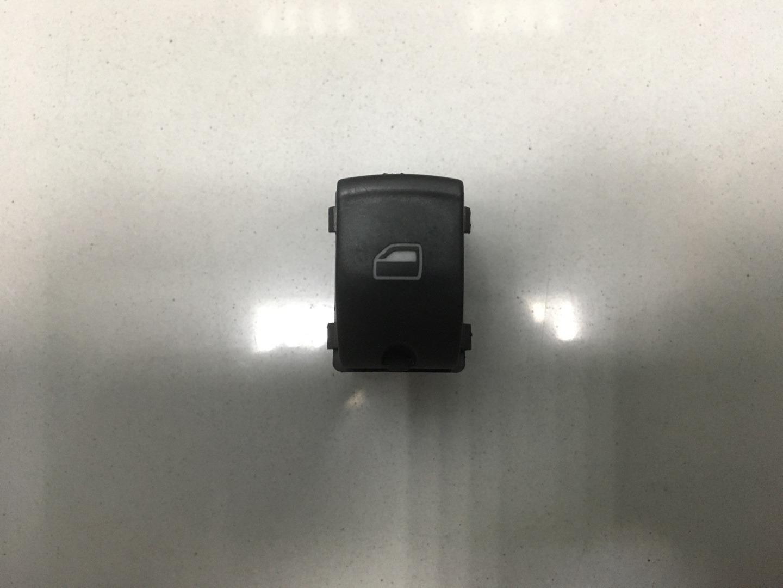 Кнопка стеклоподъемника Audi A6 C6 BPJ 2006 (б/у)