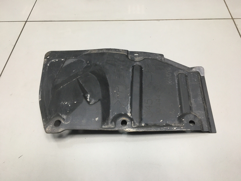 Защита пыльник двигателя Toyota Auris 1ZRFAE 2010 левая (б/у)
