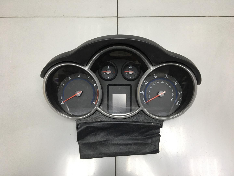 Панель приборов Chevrolet Cruze F16D4 2011 (б/у)