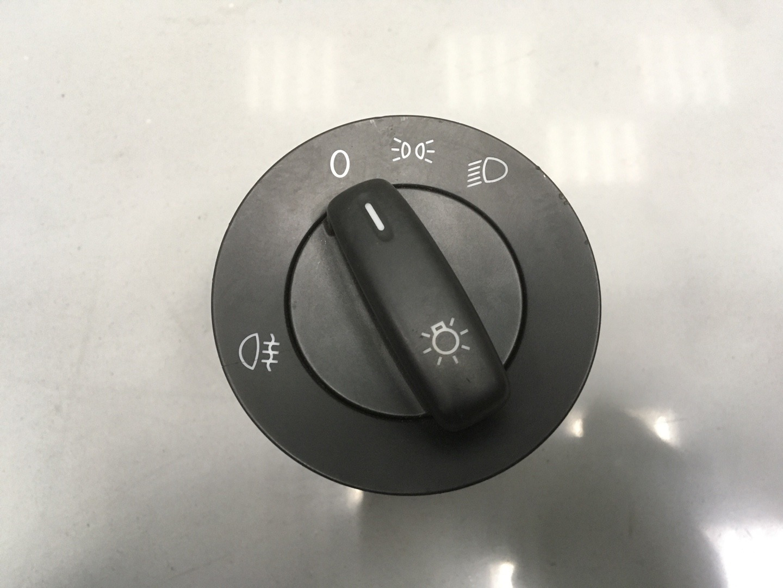 Блок управления светом Volkswagen Passat B6 (б/у)