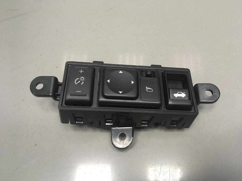 Блок кнопок Nissan Sentra B17 HR16DE 2015 (б/у)