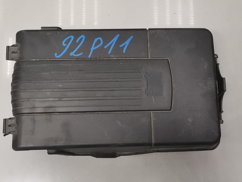 Крышка аккумулятора Skoda Octavia A5 CDAA 2011 (б/у)