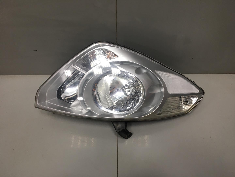 Фара Hyundai Starex H1 D4CB 2010 правая (б/у)