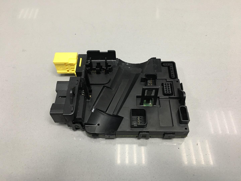 Модуль подрулевых переключателей Skoda Octavia A5 BSE 2010 (б/у)
