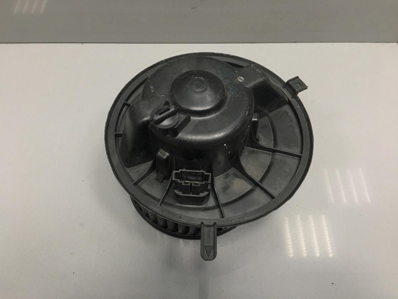 Моторчик печки Skoda Octavia A5 (б/у)