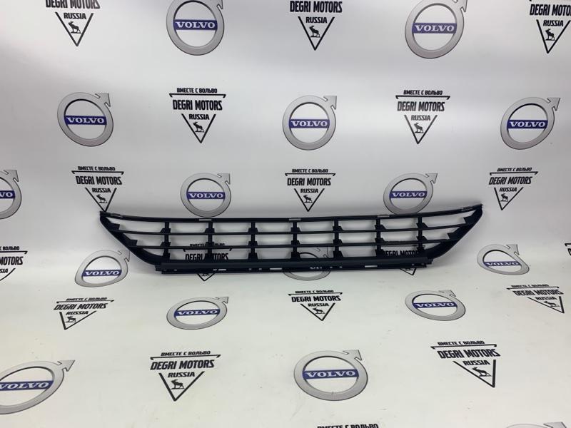 Решетка бампера Volvo Xc60 D5244T17 2015 передняя нижняя