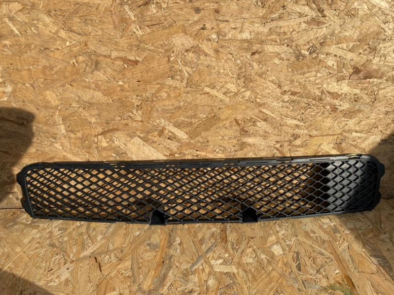 Решетка в бампер Mitsubishi Lancer 10 CY 4B12 2011 передняя нижняя (б/у)