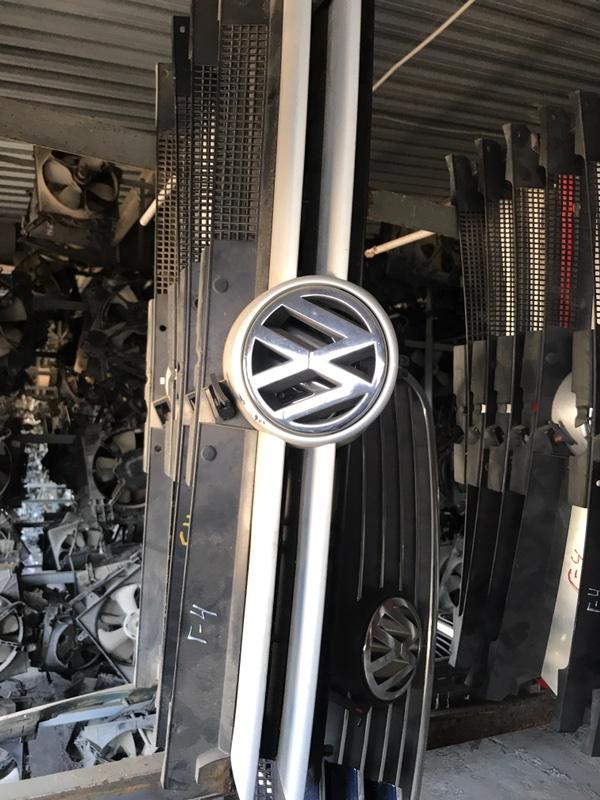 Решетка радиатора Volkswagen G4 1J1 2000 передняя (б/у)