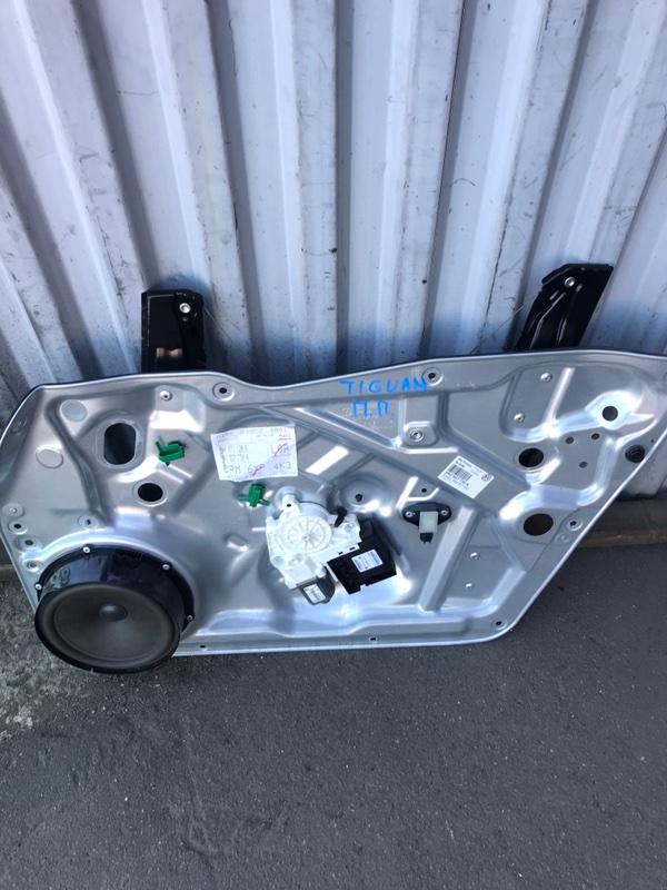 Мотор стеклоподъемника Volkswagen Tiguan 5N1 2007 передний (б/у)