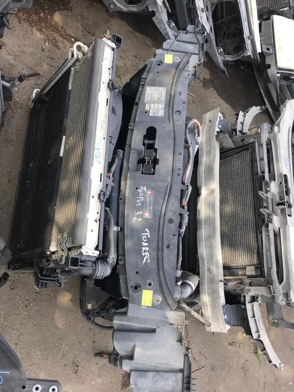 Панель передняя Volkswagen Touareg 7LA 2005 (б/у)