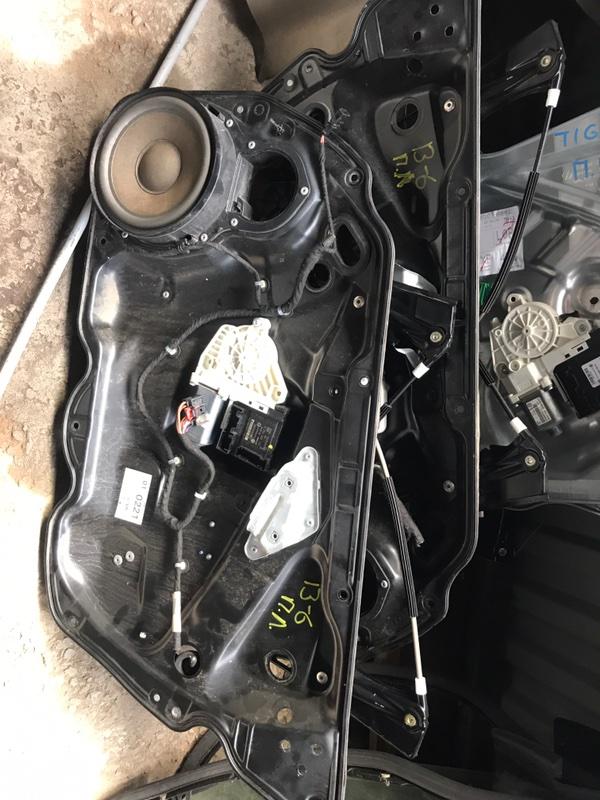Стеклоподъемник Volkswagen Passat B6 3C2 2007 передний (б/у)