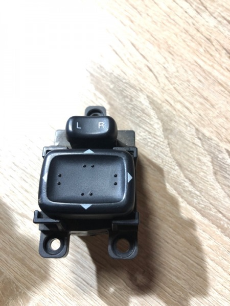 Кнопка регулировки зеркала Mazda 6 GG 2.0 RF5 2004 (б/у)