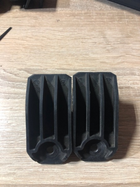 Крепление радиатора Bmw 5-Series E39 M57D30 2001 (б/у)