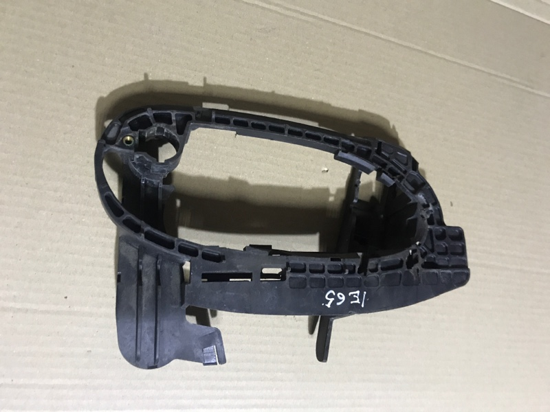 Рамка ручки Bmw 7-Series E65 N62B44 передняя правая (б/у)