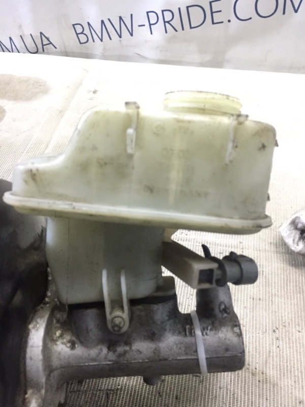 Бачок для тормозной жидкости Opel Signum 2.2 YH 2006 (б/у)