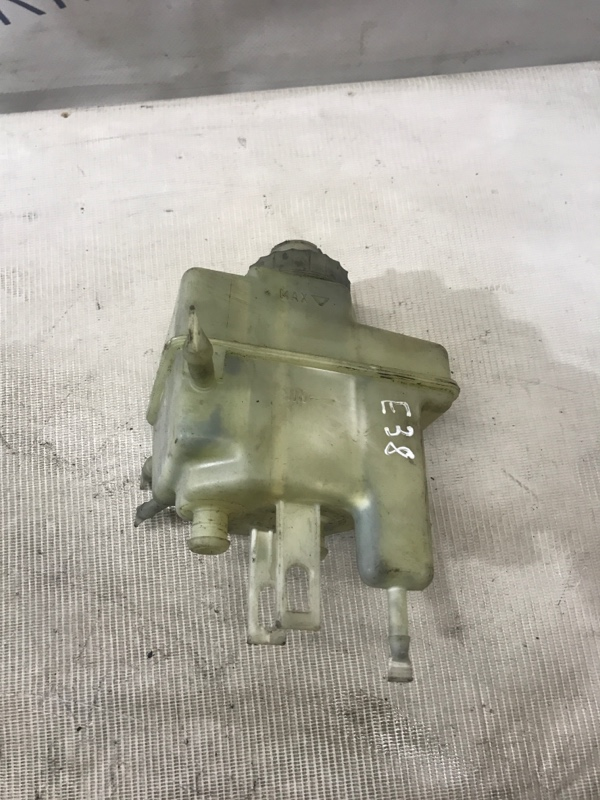 Бачок для тормозной жидкости Bmw 7-Series E38 M60B30 (б/у)