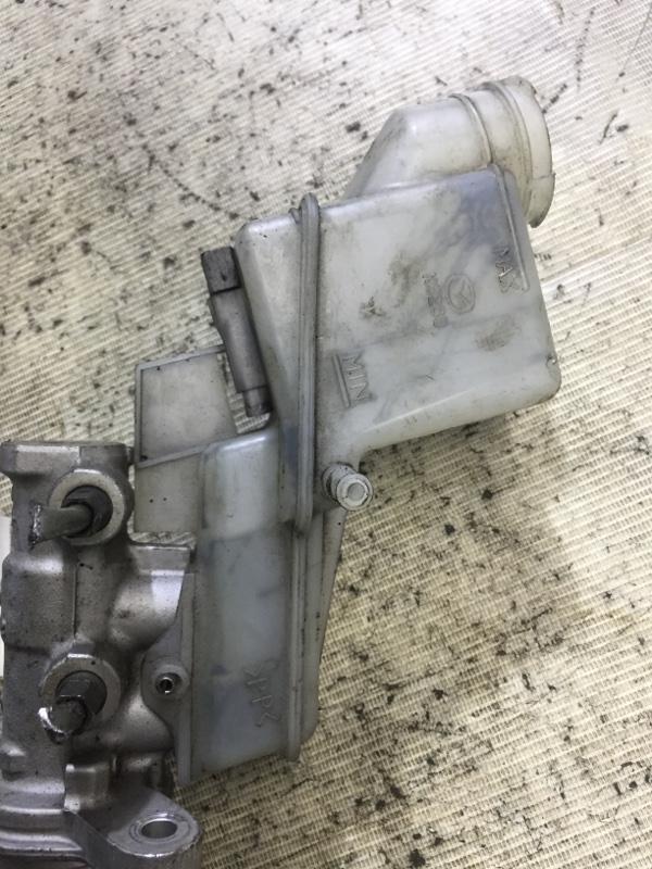 Бачок для тормозной жидкости Mazda 6 GH 2.0 RF7J 2008 (б/у)