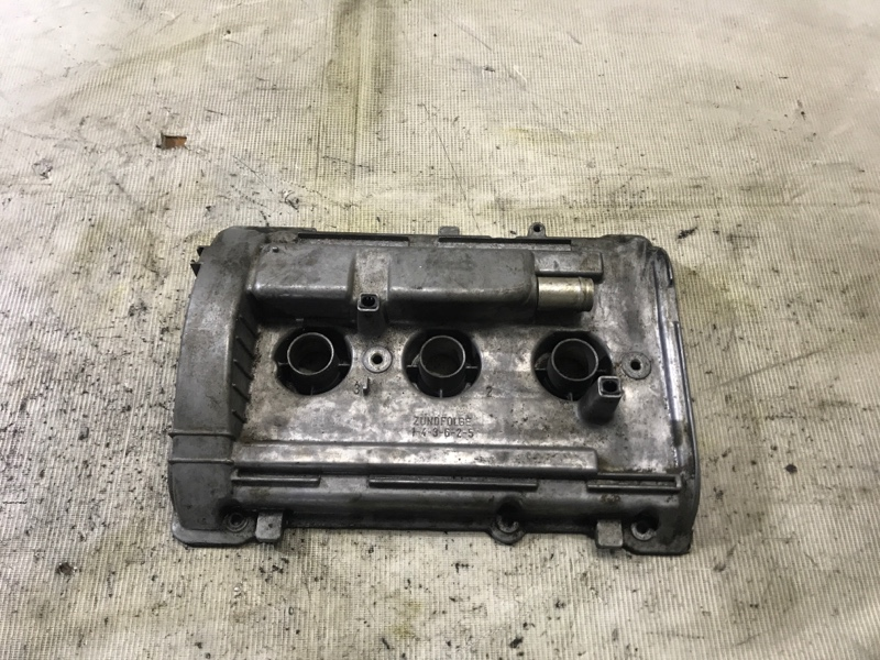 Крышка клапанов Audi A4 B6 2.4BDV правая (б/у)