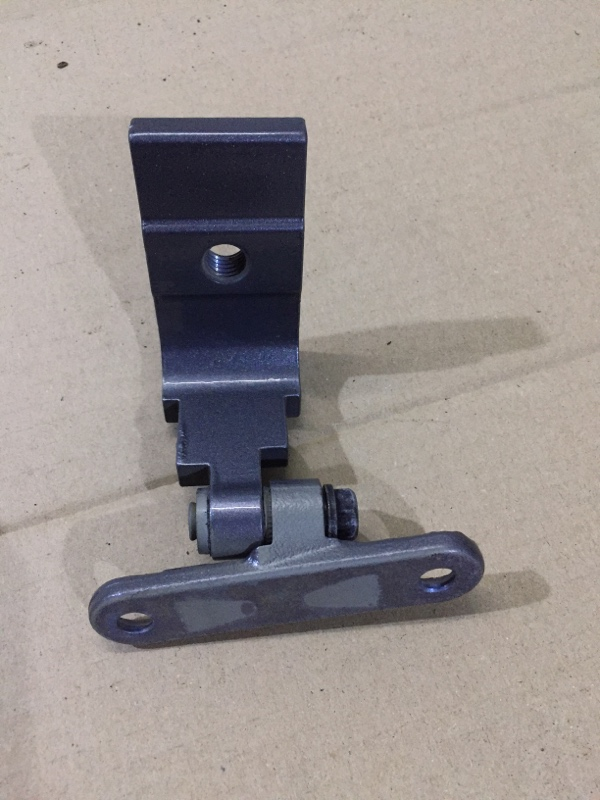 Петля двери Bmw 5-Series F10 N63B44 2013 задняя левая (б/у)