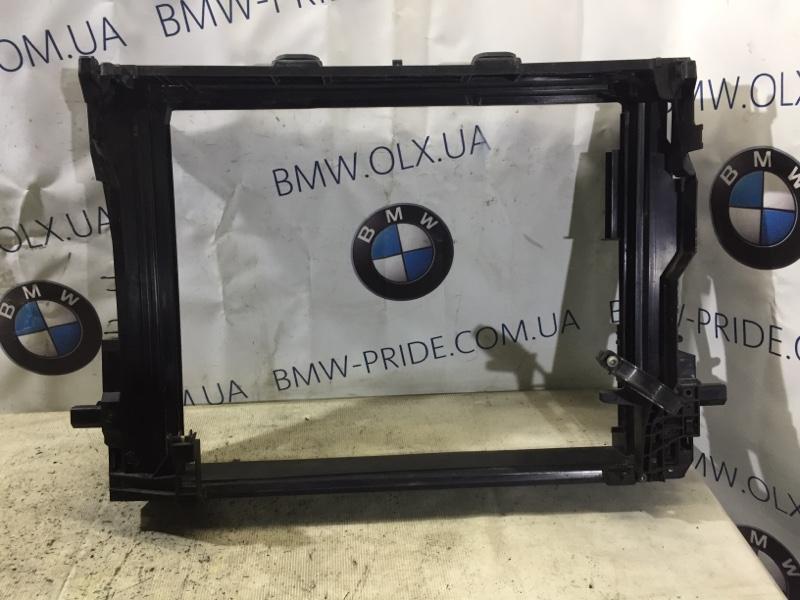 Рамка радиатора Bmw 5-Series F10 N63B44 2013 (б/у)