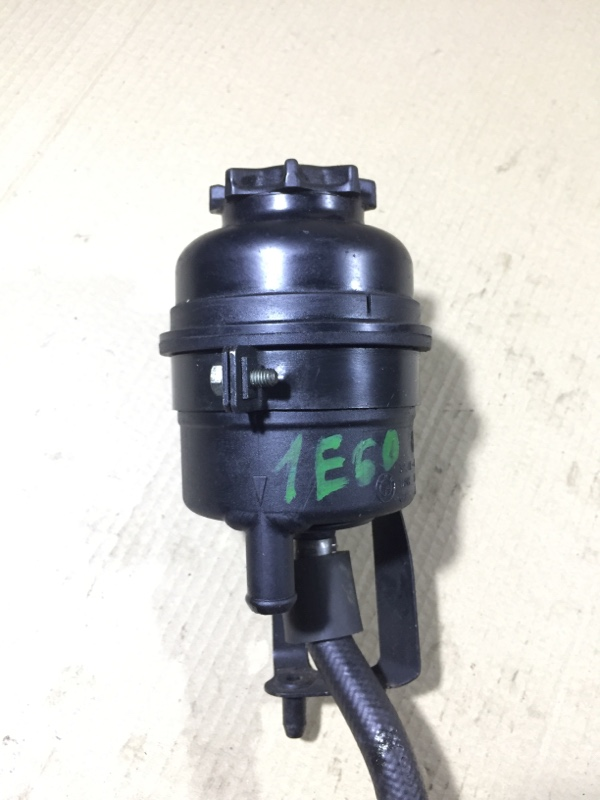 Бачок гидроусилителя Bmw 5-Series E60 M54B22 2004 (б/у)