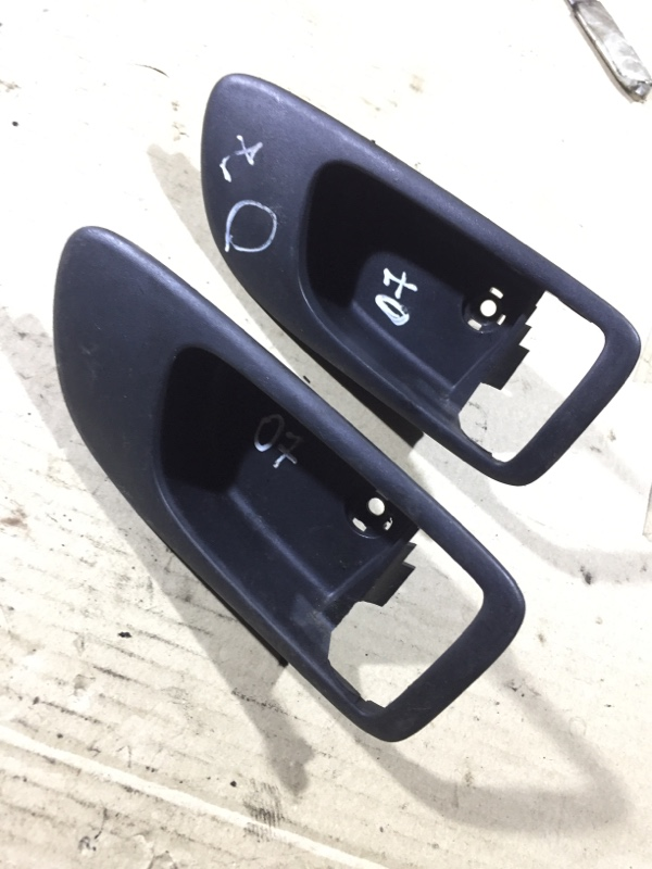 Рамка ручки Mazda 6 GG 2.0 RF5 2004 (б/у)