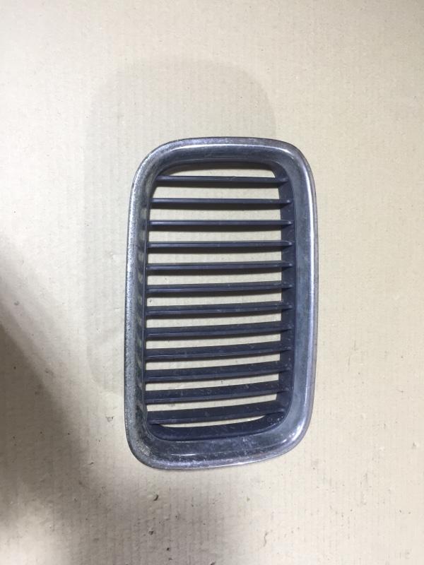 Решетка радиатора Bmw 3-Series E36 M51D25 1998 правая (б/у)