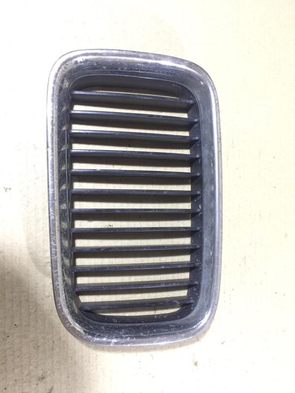 Решетка радиатора Bmw 3-Series E36 M51D25 1998 левая (б/у)
