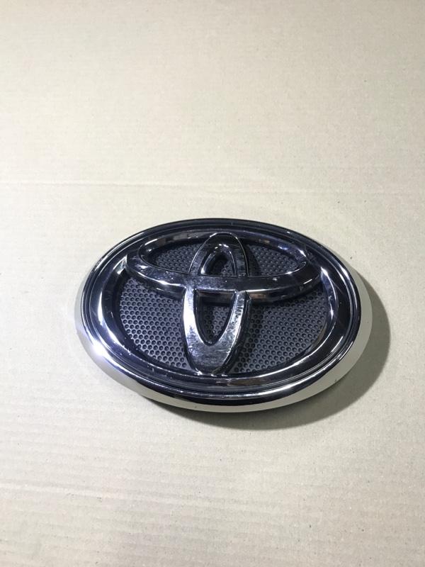 Значок Toyota Hilux (б/у)