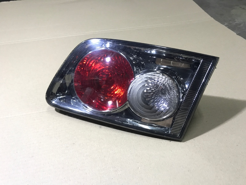 Задний фонарь Mazda 6 GG 2.0 RF7J 2007 правый (б/у)