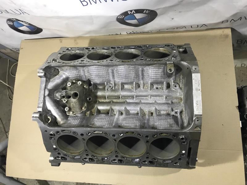 Блок цилиндров Bmw 5-Series F10 N63B44 2013 (б/у)