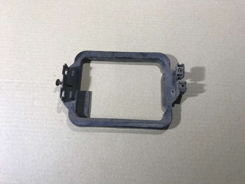 Рамка Bmw 5-Series E34 M50B25 правая (б/у)