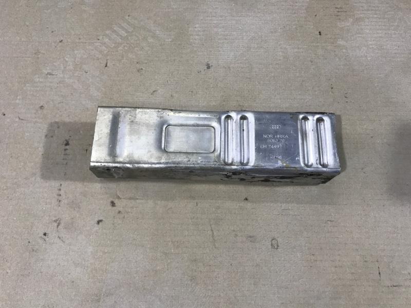 Крепление усилителя бампера Audi A4 B6 2.4BDV переднее левое (б/у)
