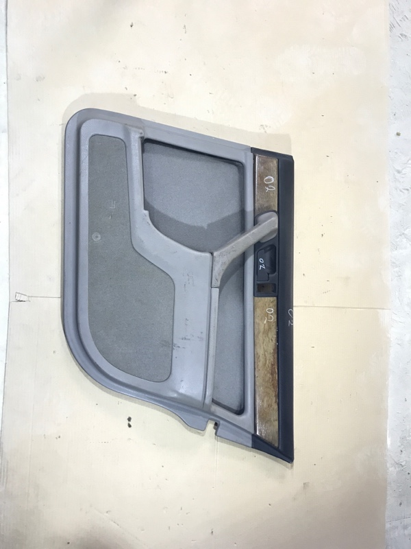 Дверная карта Bmw 7-Series E32 M30B35 задняя правая (б/у)