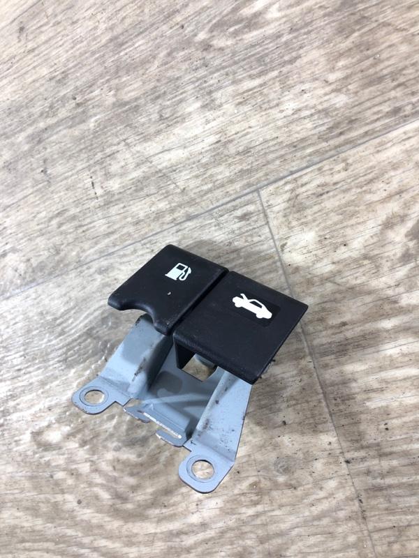 Кнопка открывания багажника Nissan Juke 1.6 2011 (б/у)