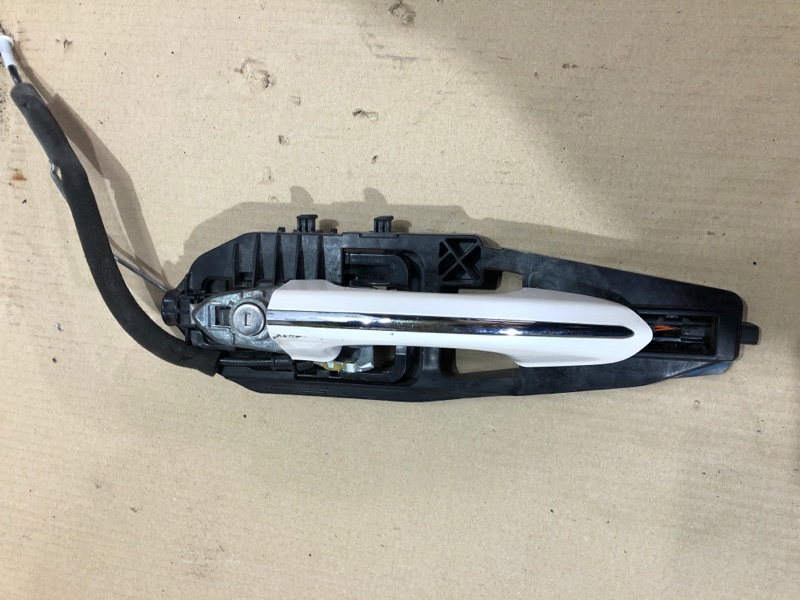 Ручка двери внешняя Ford Fusion 2.0 2013 передняя левая (б/у)