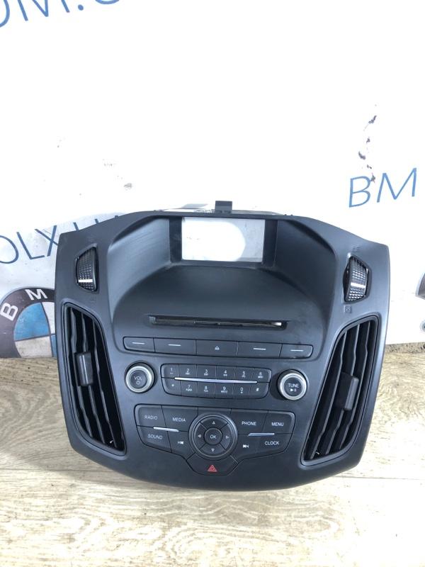 Рамка магнитофона Ford Focus 3 2.0 2014 (б/у)