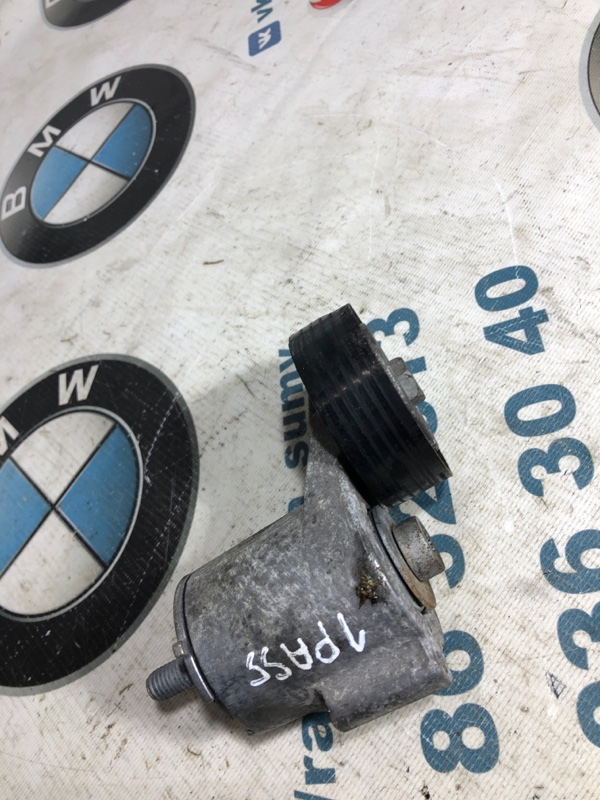 Ролик Volkswagen Passat B7 2.5 2013 (б/у)