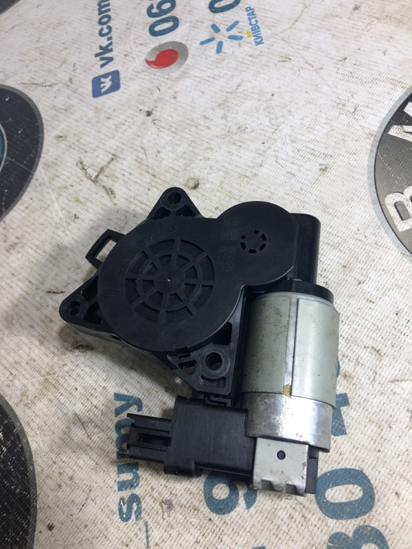 Мотор стеклоподъемника Mazda 6 GG 2.0 RF5 2004 (б/у)