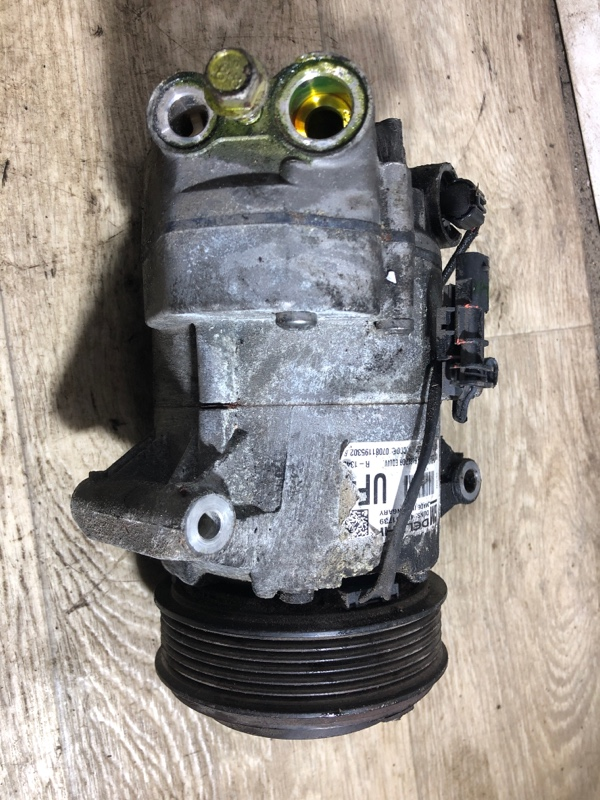 Компрессор кондиционера Chevrolet Cruze 1.8 2012 (б/у)