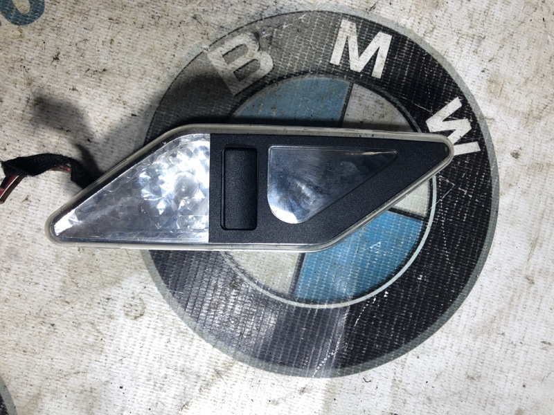 Плафон салона Bmw 3-Series E46 M54B30 2001 (б/у)