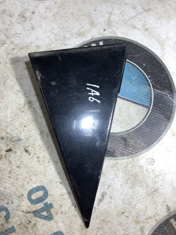 Накладка на крыло Audi A6 C5 2.5 AKE 2001 задняя правая (б/у)