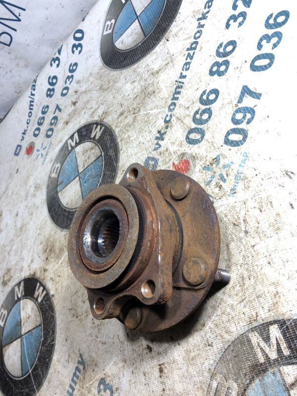 Ступица Nissan Juke 1.6 2011 передняя (б/у)