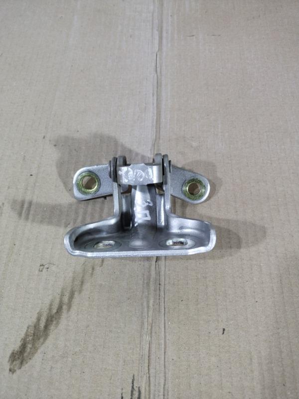 Петля двери Chevrolet Volt 1.4 2013 задняя правая (б/у)