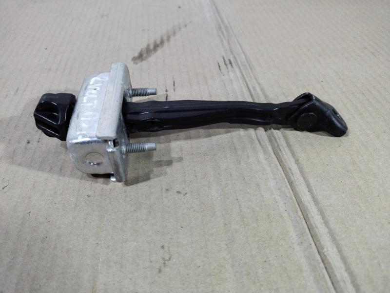Ограничитель двери Chevrolet Volt 1.4 2013 передний правый (б/у)