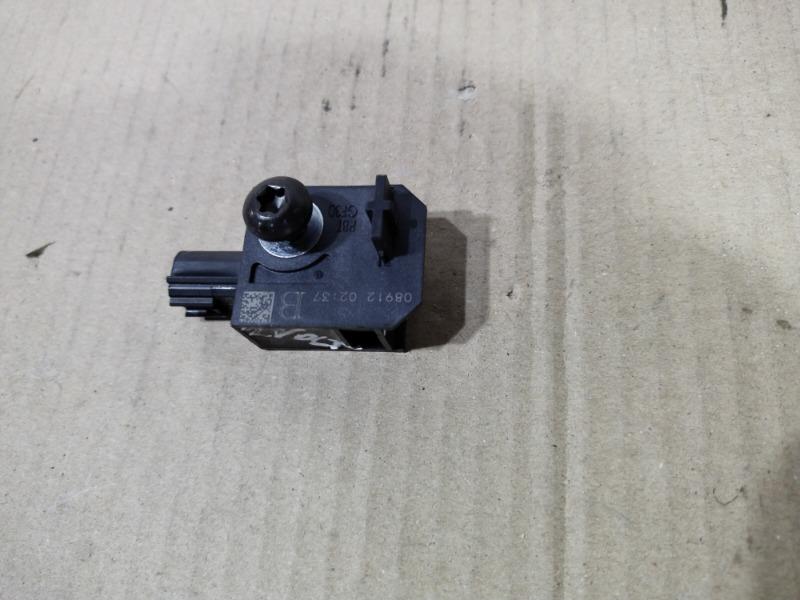 Датчик airbag Chevrolet Volt 1.4 2013 передний левый (б/у)
