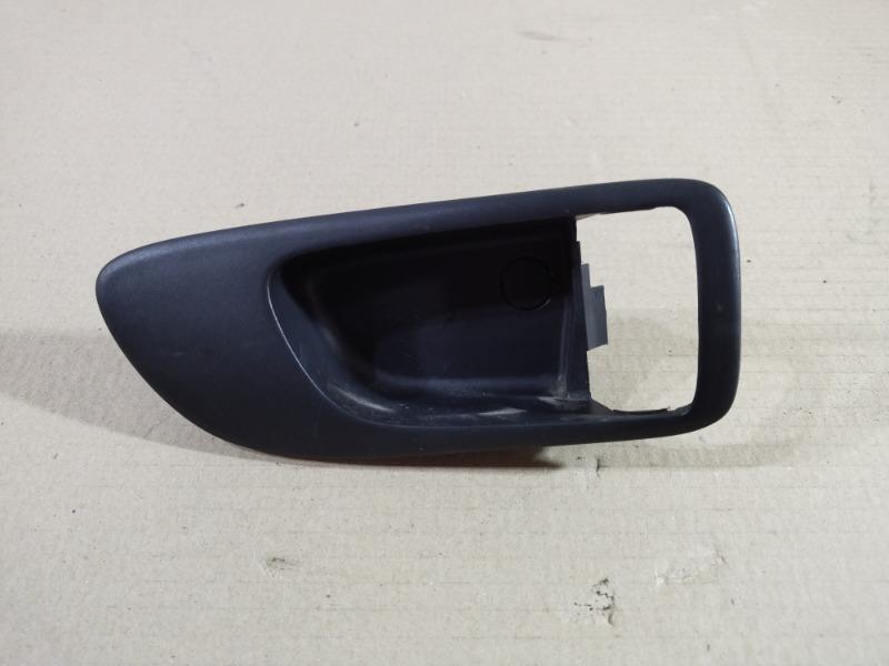 Рамка ручки Mazda 6 GG 2.0 RF7J 2007 задняя правая (б/у)